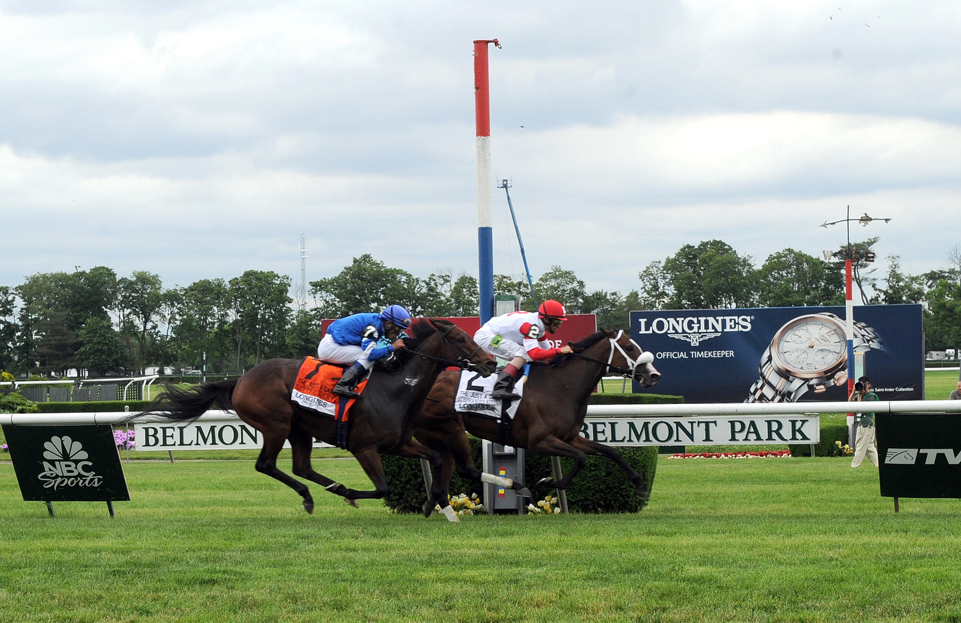 Longines Flat Racing Event: Longines awards elegant timepieces to owner, trainer and jockey of Belmont Stakes winner, Palace Malice 2