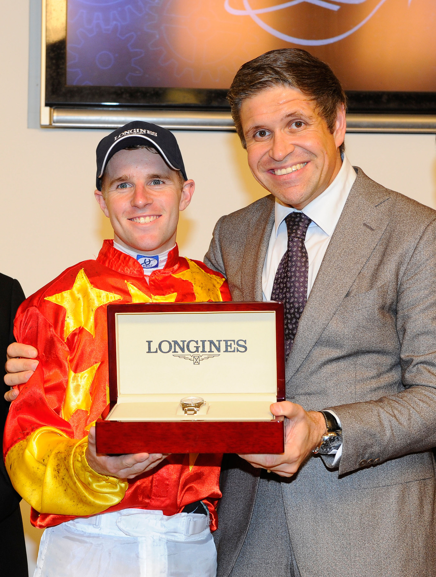 Longines Flat Racing Event: The prestigious Longines Singapore Gold Cup 2013 raises S$374,483 for charity 2