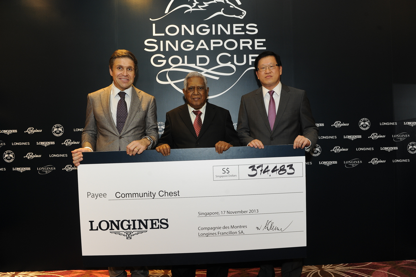 Longines Flat Racing Event: The prestigious Longines Singapore Gold Cup 2013 raises S$374,483 for charity 4