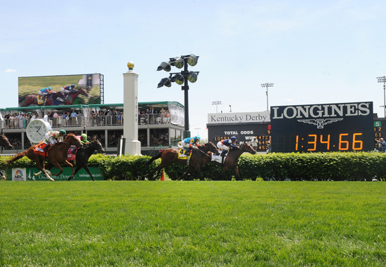 Longines Flat Racing Event: California Chrome wins the 140 Kentucky Derby 4