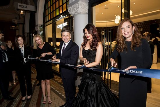 Longines Commonwealth Games Event: Longines and its Ambassador of Elegance Aishwarya Rai Bachchan welcome the 2018 Queen's Baton to the brand new Longines boutique in Sydney  3