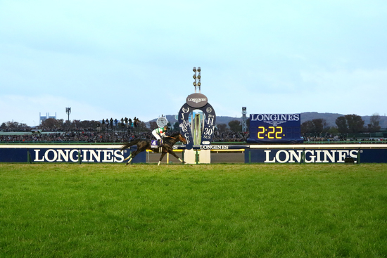 Longines Flat Racing Event: Christophe Soumillon on Epiphaneia wins the Japan Cup in association with Longines 6