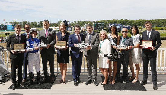 Longines Flat Racing Event: LONGINES TIMES AMERICAN PHAROAH'S TRIPLE CROWN VICTORY AT BELMONT STAKES 3