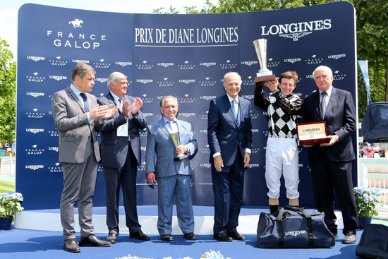 Longines Flat Racing Event: The Prix de Diane Longines – 45'000 spectators, 9 races, 1 Queen of Elegance and 1 King of the Prix de Diane Longines 13