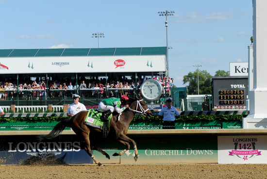 Longines Flat Racing Event: Winner of the 2016 Longines Kentucky Oaks Race Celebrated by Swiss Watch Brand Longines in front of record crowd 4