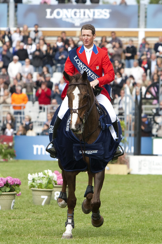 Longines Show Jumping Event: Longines and equestrian sports: elegance and precision in La Baule 1