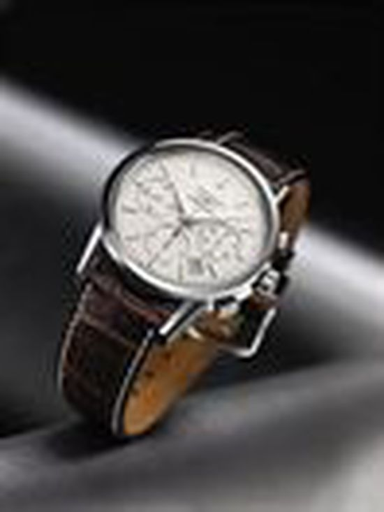 Longines Flat Racing Event: LONGINES WATCHES PRESENTED TO OWNER, TRAINER AND JOCKEY OF KENTUCKY DERBY WINNER 9