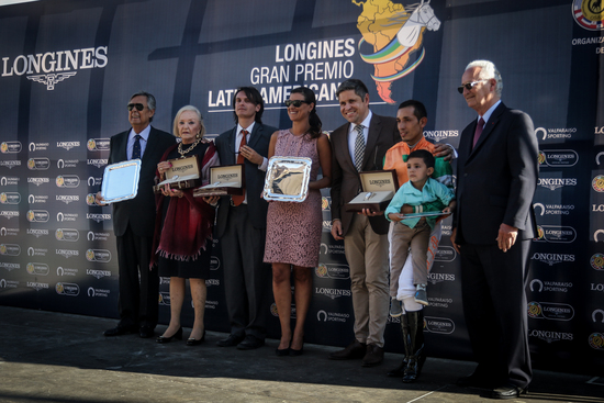 Longines Flat Racing Event: Sixties Song clinched the 2017 Longines Gran Premio Latinoamericano 4