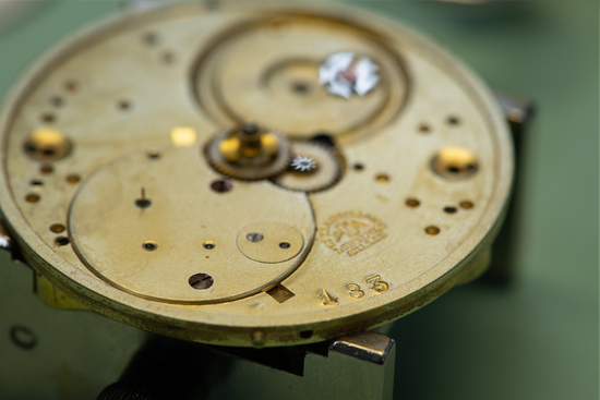 Longines Corporate Event: A collector finds the oldest Longines watch known to date, a historical discovery for the brand 2