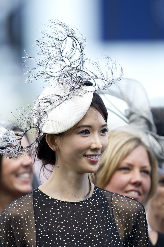 Longines Flat Racing Event: Elegance reigns at Derby Day as part of 2011 Melbourne Cup Carnival 3