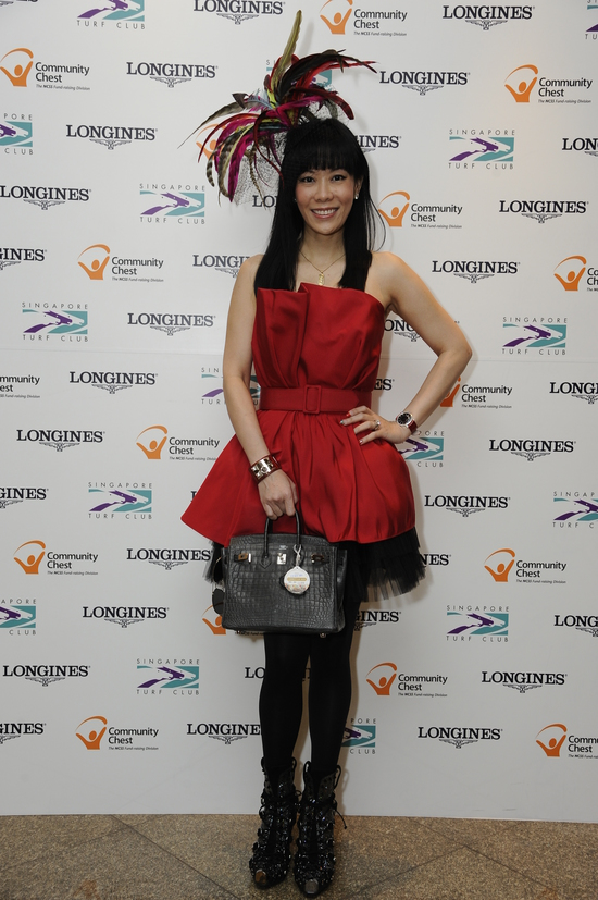 Longines Flat Racing Event: LONGINES SINGAPORE GOLD CUP 2011 raises S$241,136 for the Chaoyang School 5