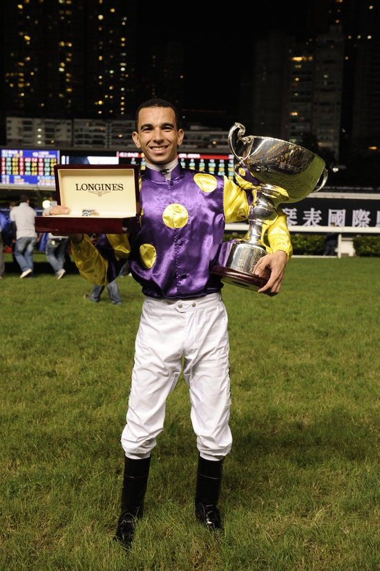 Longines Flat Racing Event: Joao Moreira, winner of the Longines International Jockeys' Championship with the presence of Aaron Kwok Fu Shing 3