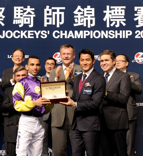 Longines Flat Racing Event: Joao Moreira, winner of the Longines International Jockeys' Championship with the presence of Aaron Kwok Fu Shing 4