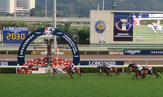 Longines Flat Racing Event: Elegance and thrilling races at the Longines Hong Kong International Races with the presence of Kate Winslet 4