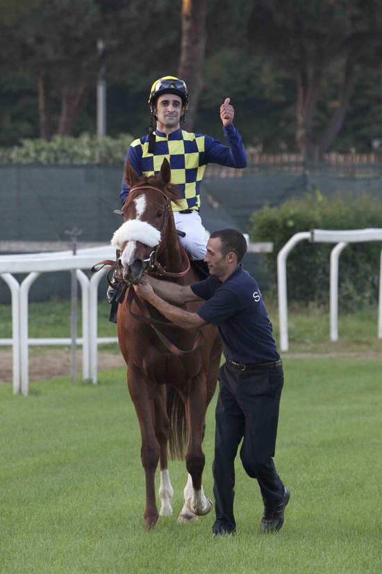Longines Flat Racing Event: Fabio Branca wins the Premio Longines Lydia Tesio on Charity Line 3